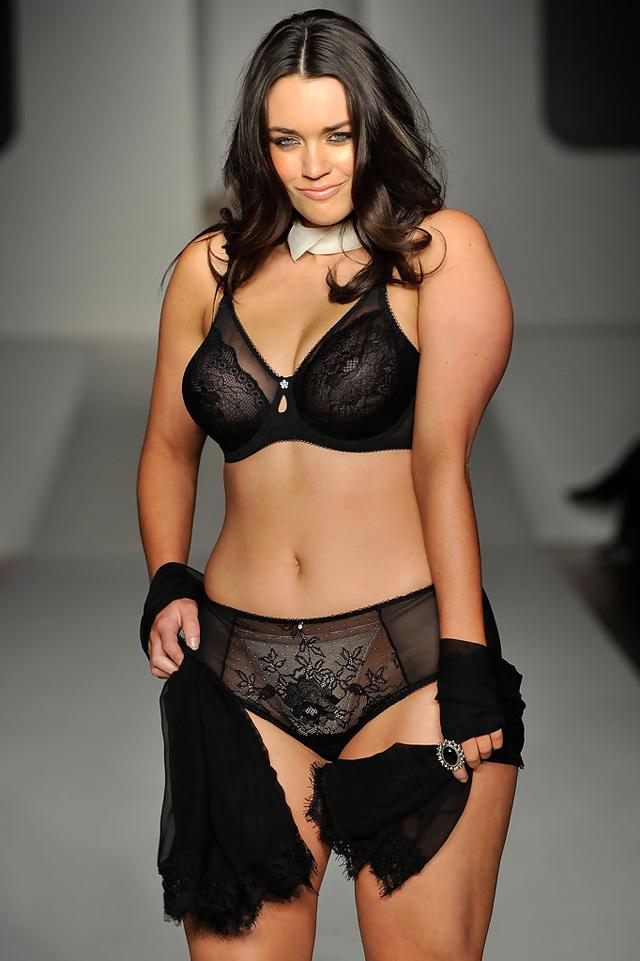 Laura Wells, Las diez modelos de talla grande más sexys de 2014