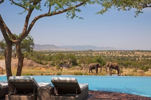 Piscinas impresionantes Four Seasons Safari Lodge Serengeti en Tanzania