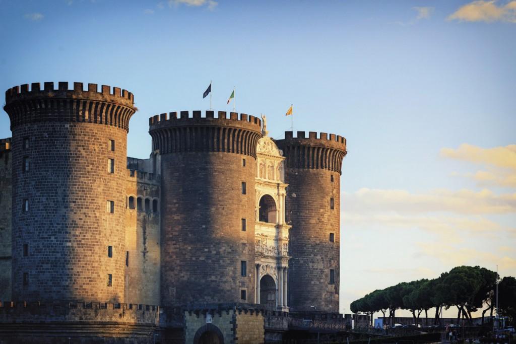 Castillos del mundo castel nuovo